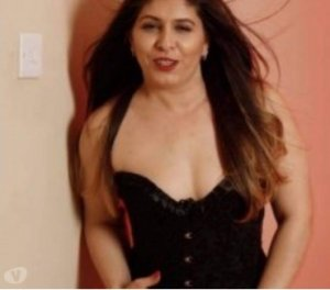 Mehreen canadian girls personals Garden City ID